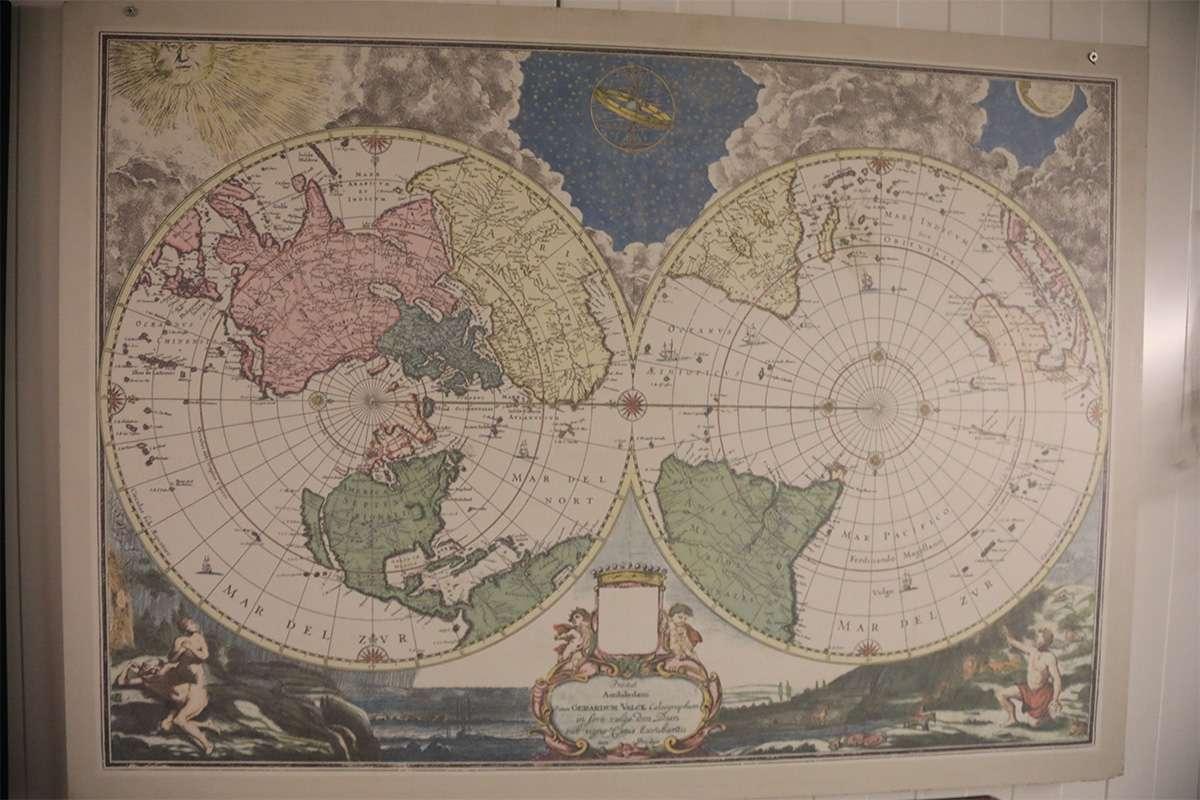 Dünya Haritası Aşk Gemisinden