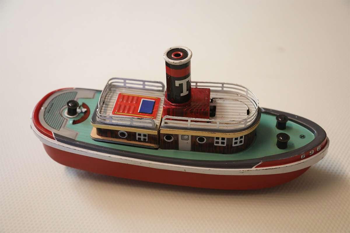 696 Teneke Vintage Gemi
