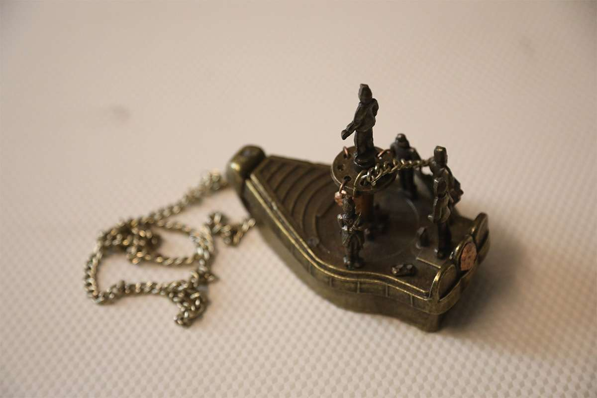 Antique Chain Ship Ornament Object