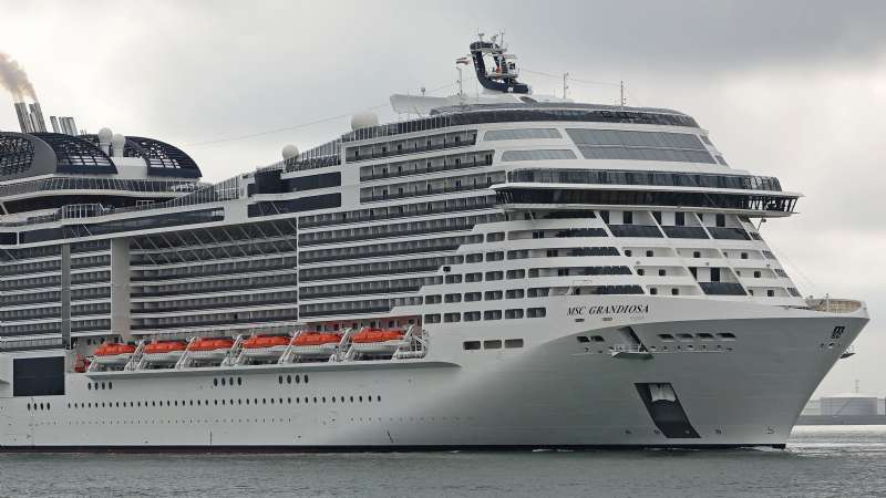 Storms Make Difficulties for Passenger Ships