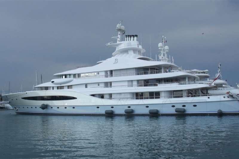 Mega Yacht Mayan Queen IV Arrived at Fethiye Harbor