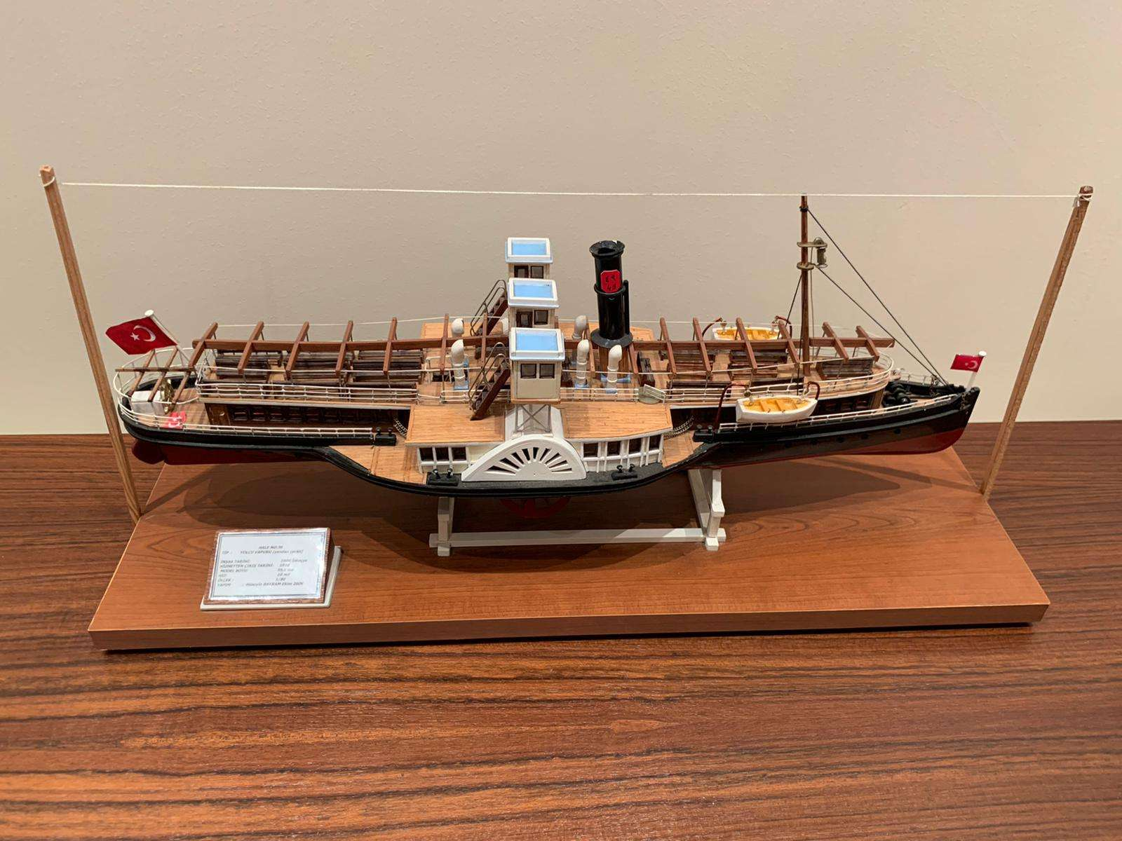 Passenger Paddle Steamer Hale Model