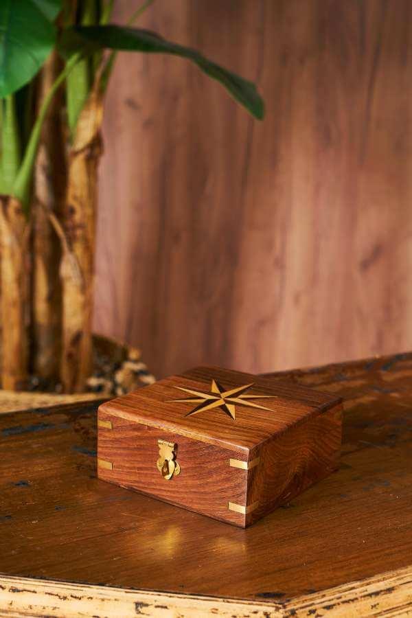 Ahşap Kutu İçinde Pirinç Pusula