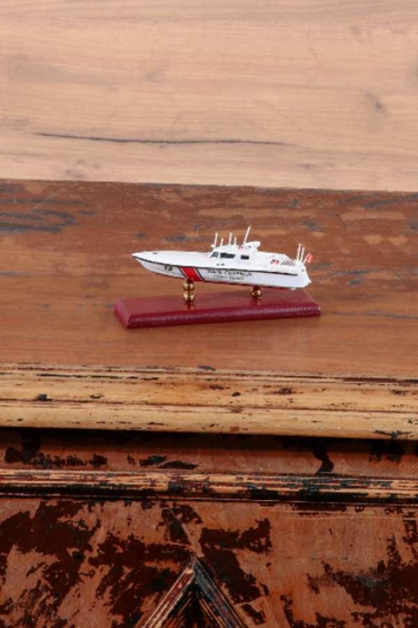 Mini Sahil Güvenlik Gemisi Maketi 12