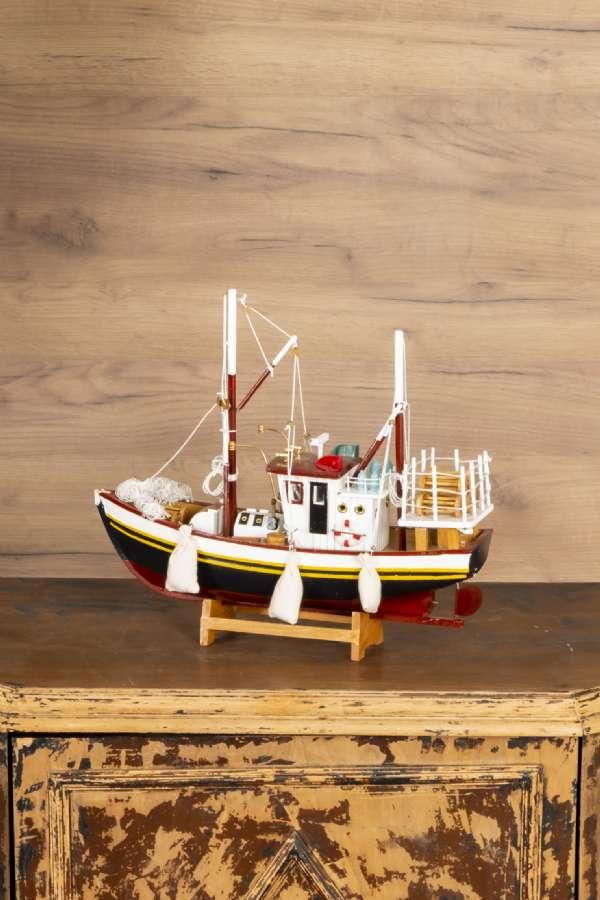 Büyük Ahşap Balıkçı Teknesi Maketi