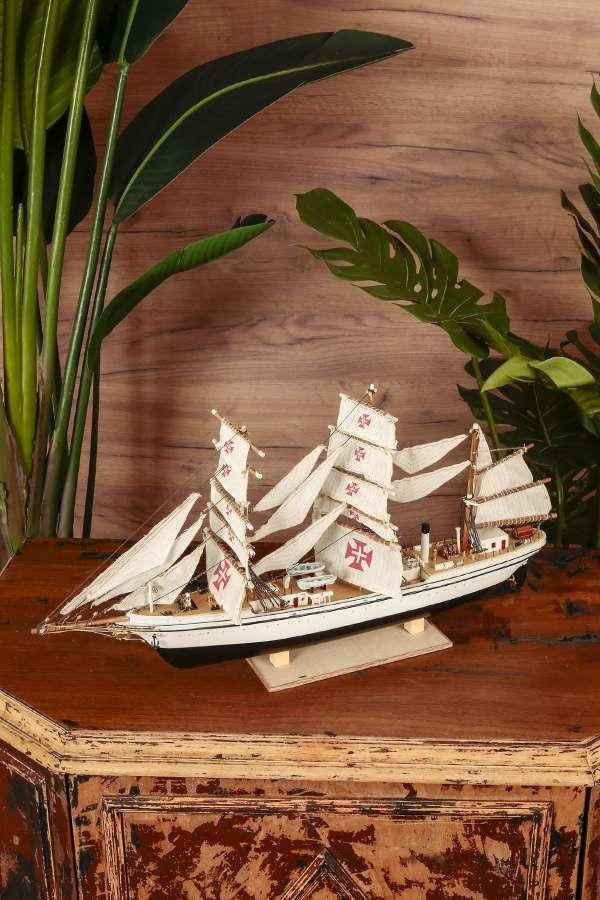 Yelkenli Siyah Gemi Maketi
